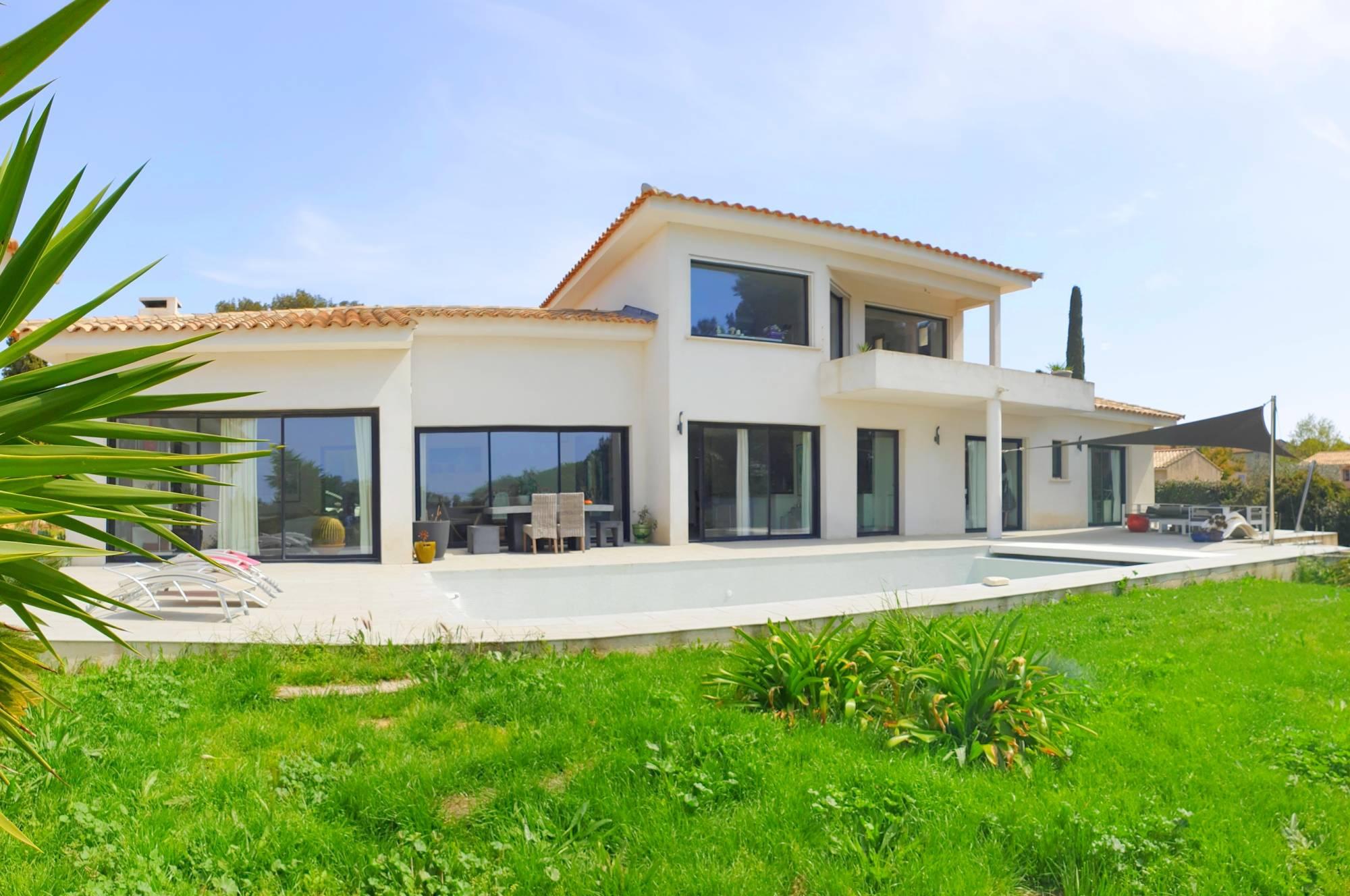 Villa Californienne Ave Piscine Et Maison Annexe Independante A