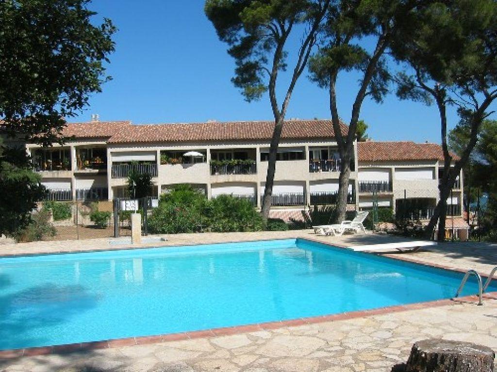 La seyne sur mer quartier st elme t3 avec balcon residence for Residence piscine