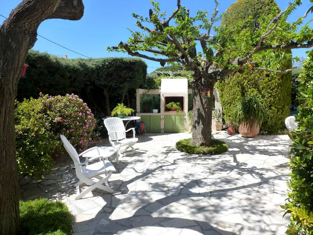 maison t6 vendre la seyne sur mer agences papazian. Black Bedroom Furniture Sets. Home Design Ideas