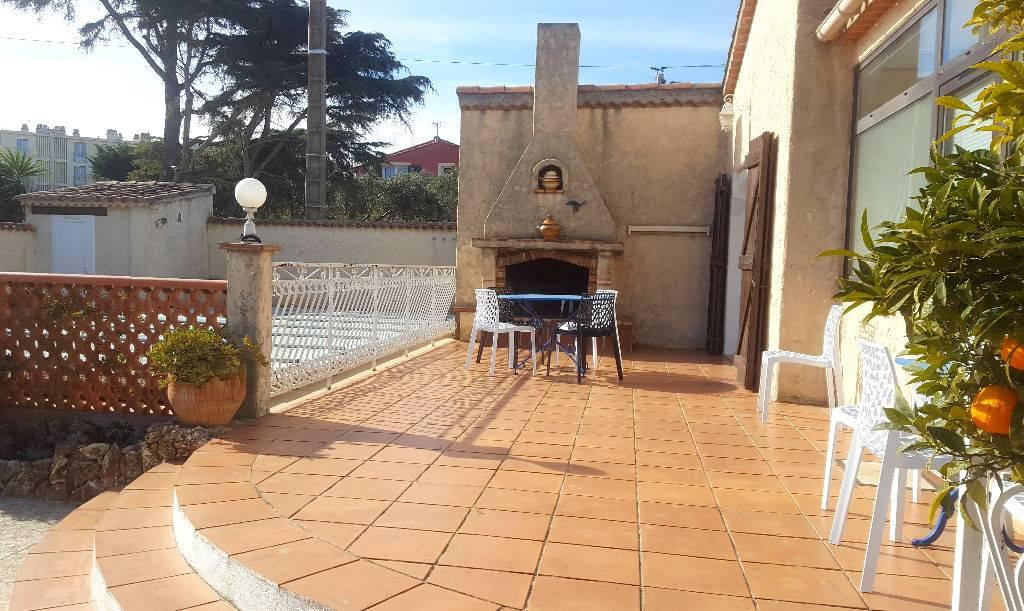 Villa t4 avec piscine et garage a vendre a fabregas a la for Garage 2000 la seyne