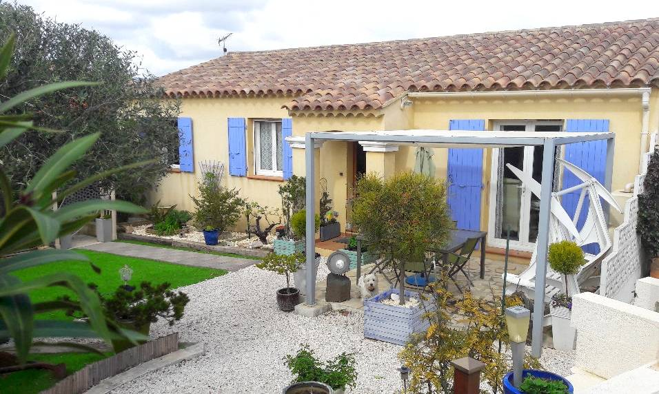 Villa de plain pied avec atelier et cabane de jardin a vendre a six fours les plages 83140 - Cabane jardin atelier besancon ...