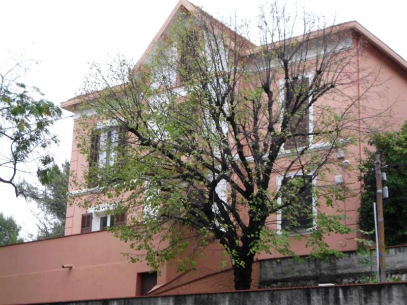 archives bel appartement t1 f1 toulon ouest dans maison de maitre parking privatif immobilier la. Black Bedroom Furniture Sets. Home Design Ideas