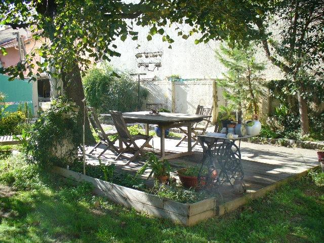 Archives maison de charme t3 f3 toulon ouest claret avec - Jardin japonais interieur maison toulon ...