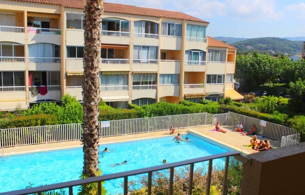 Appartement f2 avec parking et piscine en vente a sanary - Residence vacances var avec piscine ...
