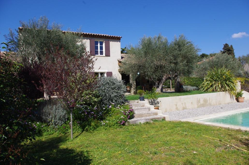 Achat villa de luxe avec piscine ollioules 83190 for Piscine ollioules