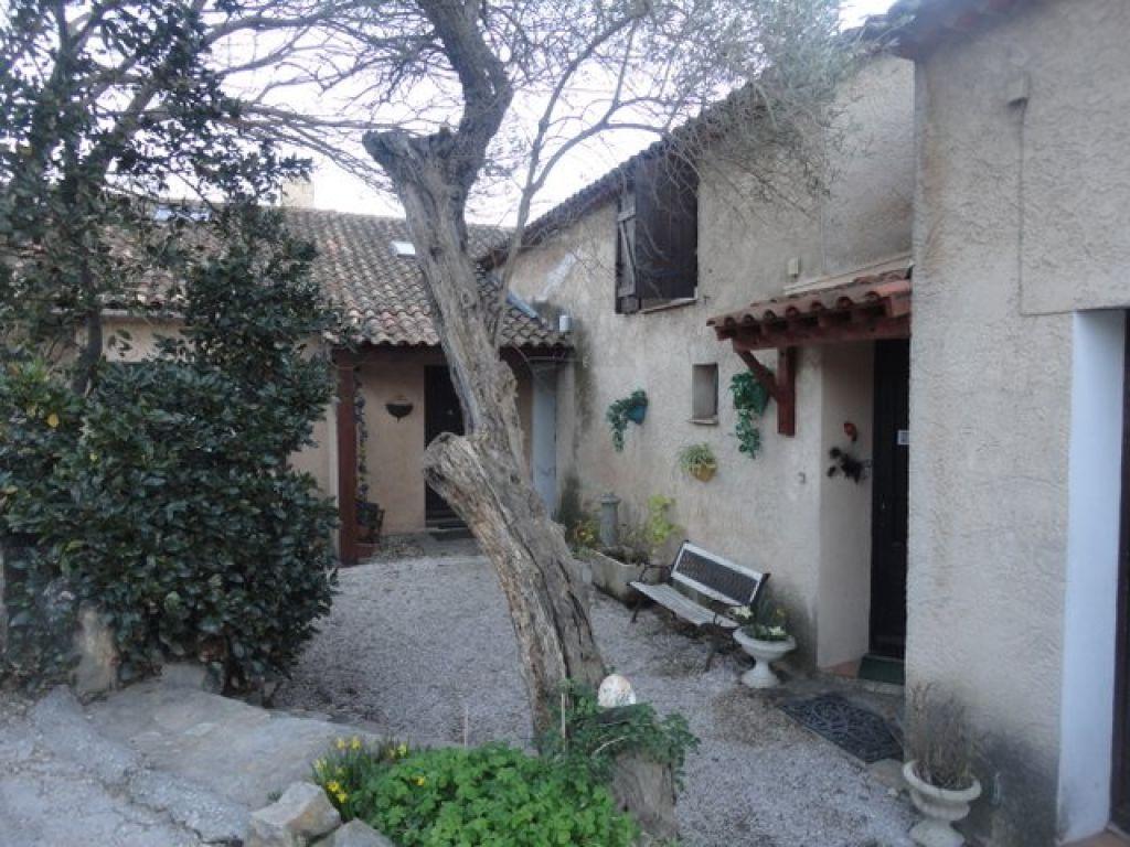 Location maison ou villa spacieuse au calme avec un jardin for Location appartement ou maison avec jardin