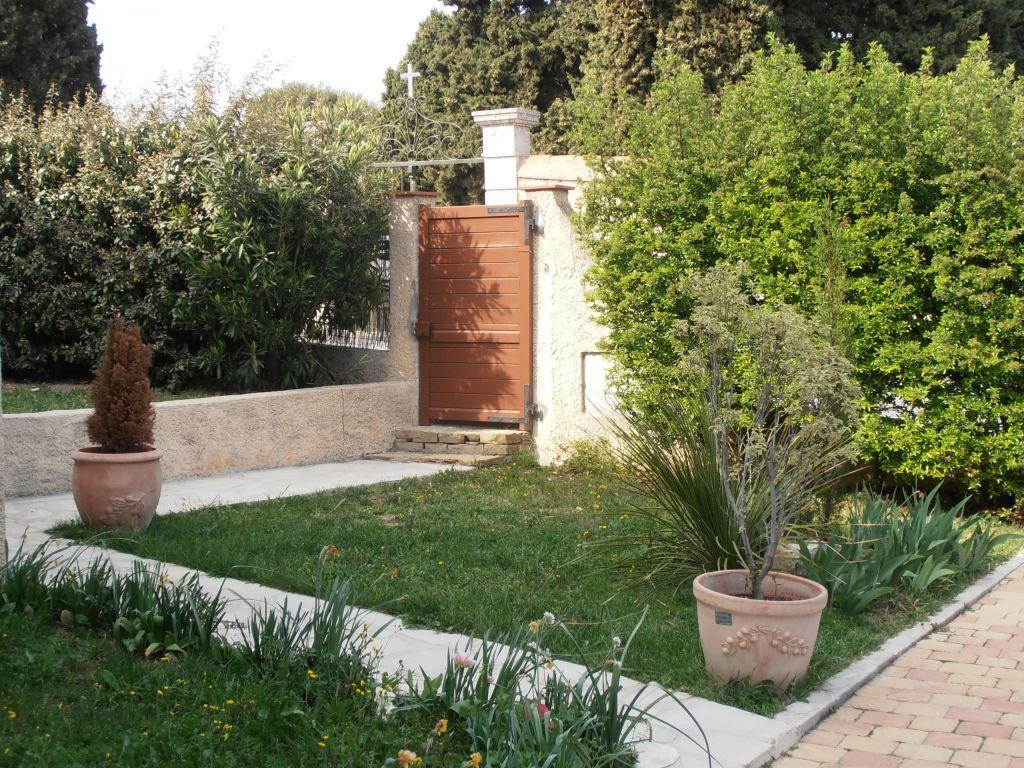 Appartement t5 la cadi re d 39 azur 83740 avec terrasse et for Terrasse jardin immobilier