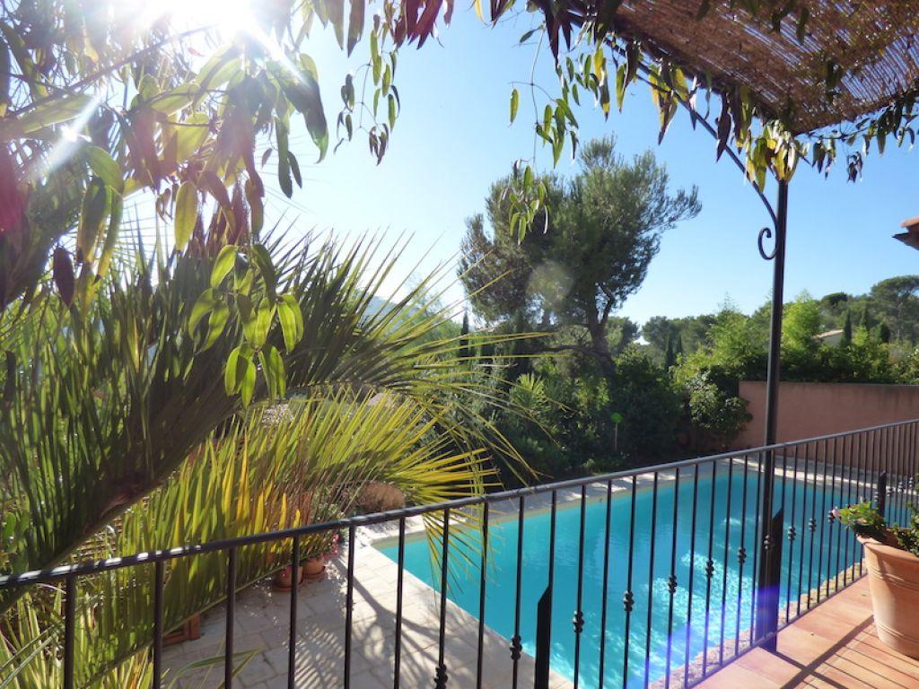 Maison T7 La Cadi Re D 39 Azur 83740 Construction R Cente Piscine Et Garage Jardin Paysag