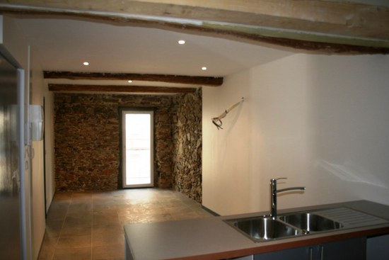 Appartement 3 pièces au coeur du village entièrement rénové