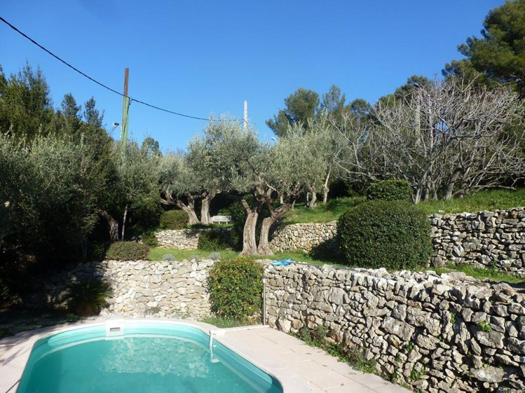Toulon ouest terrain b tir avec piscine secteur pris et for Piscine xveme