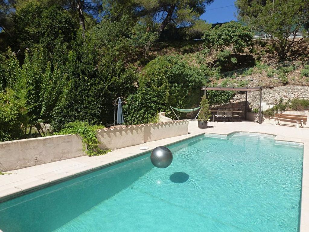 Appartement t3 en rez de villa avec jardin et piscine for Piscine xveme