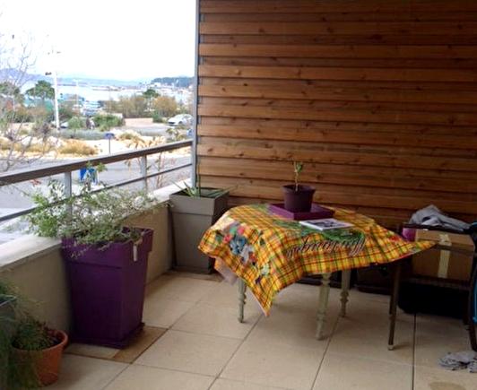appartement t1 en location la seyne sur mer immobilier la seyne sur mer 83 agences papazian. Black Bedroom Furniture Sets. Home Design Ideas
