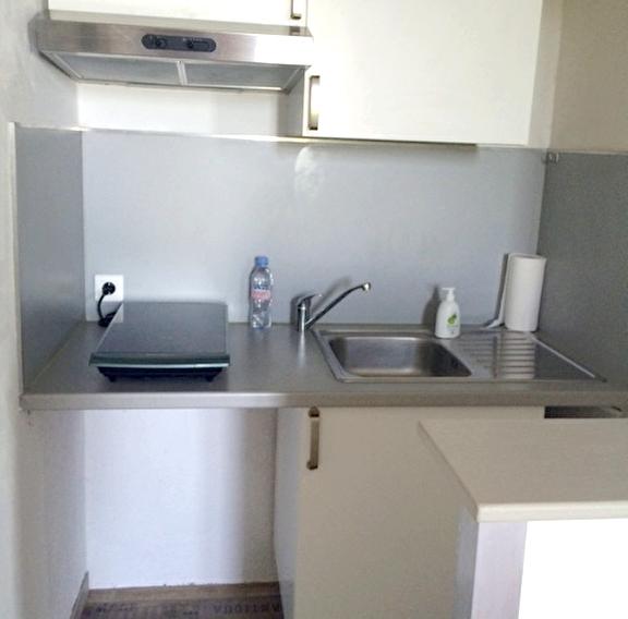 a louer un appartement t2 dans le quartier tamaris a la seyne sur mer 83500 immobilier la seyne. Black Bedroom Furniture Sets. Home Design Ideas