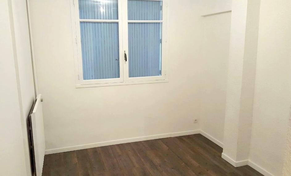 appartement t4 en location la seyne sur mer immobilier la seyne sur mer 83 agences papazian. Black Bedroom Furniture Sets. Home Design Ideas