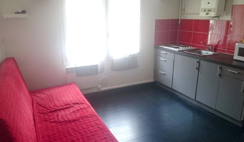 A vendre a la seyne sur mer 83500 un appartement t2 avec for Garage 2000 la seyne