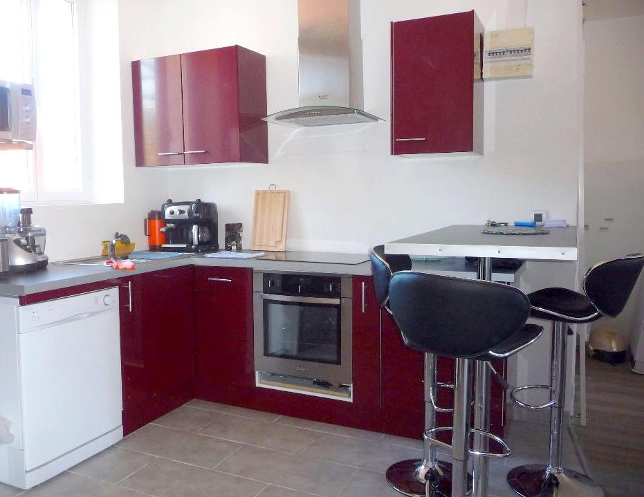 a vendre a toulon 83200 un appartement t2 r nov et meubl immobilier la seyne sur mer 83. Black Bedroom Furniture Sets. Home Design Ideas