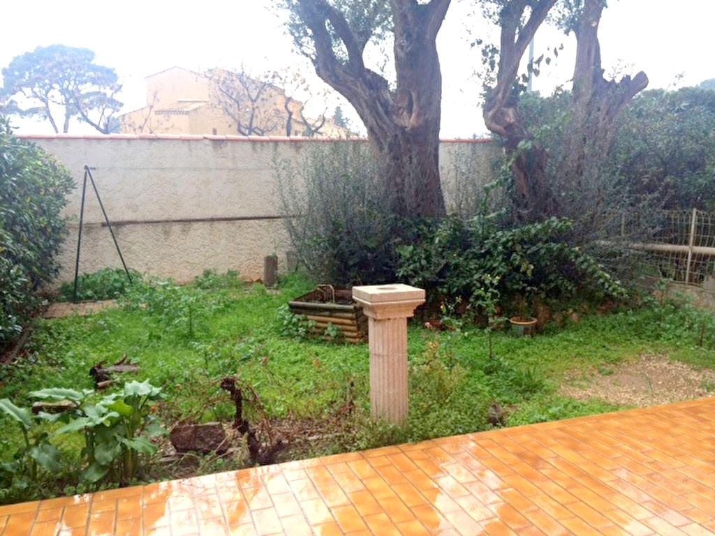 A louer a la seyne sur mer 83500 un appartement t2 r nov avec terrasse et jardin immobilier la - Appartement a louer avec jardin ...