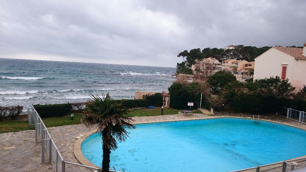 la seyne sur mer mar vivo dans residence avec piscine acces prive plage type f2 terrasse expo. Black Bedroom Furniture Sets. Home Design Ideas