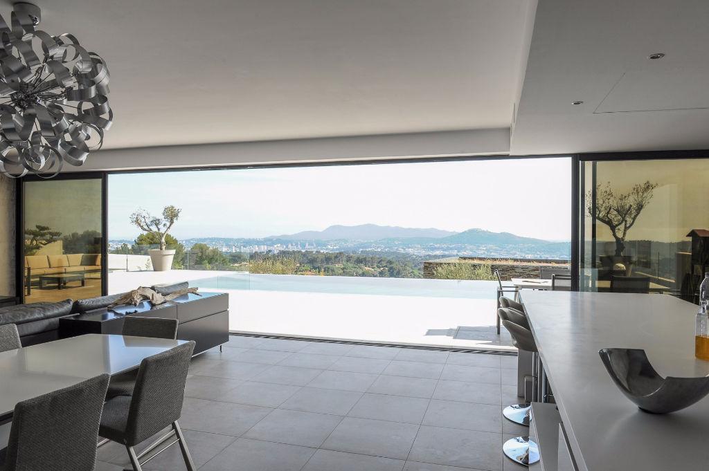 Maison d 39 architecte f6 vendre ollioules agences papazian for Architecte sanary sur mer
